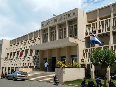 Resultado de imagen para fotos del palacio de justicia de montecristi