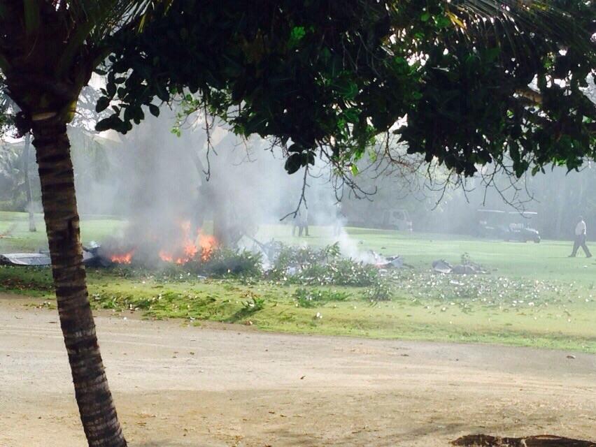 Al menos cuatro personas mueren al precipitarse avioneta en punta cana www paginaextra com
