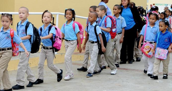 Image result for Inicio del año escolar en escuelas públicas dominicanas
