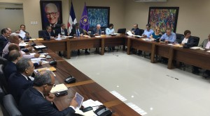 El presidente Danilo Medina y el expresidente Leonel Fernández en reunión del Comité Político.
