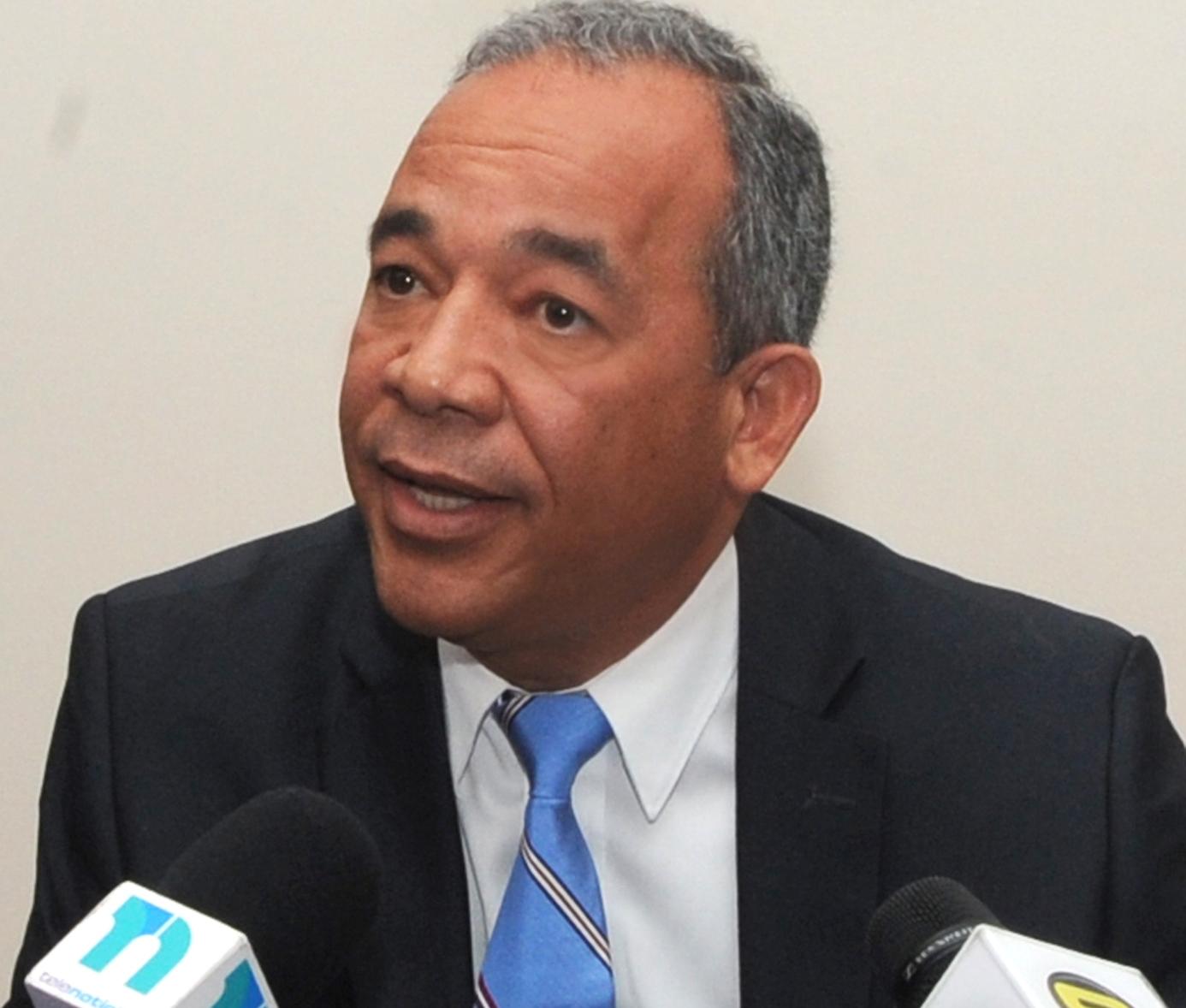 Rubén Bichara, vicepresidente de la CDEEE.