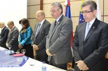Autoridades y representantes en jornada científica en el hospital Ney Arias Lora
