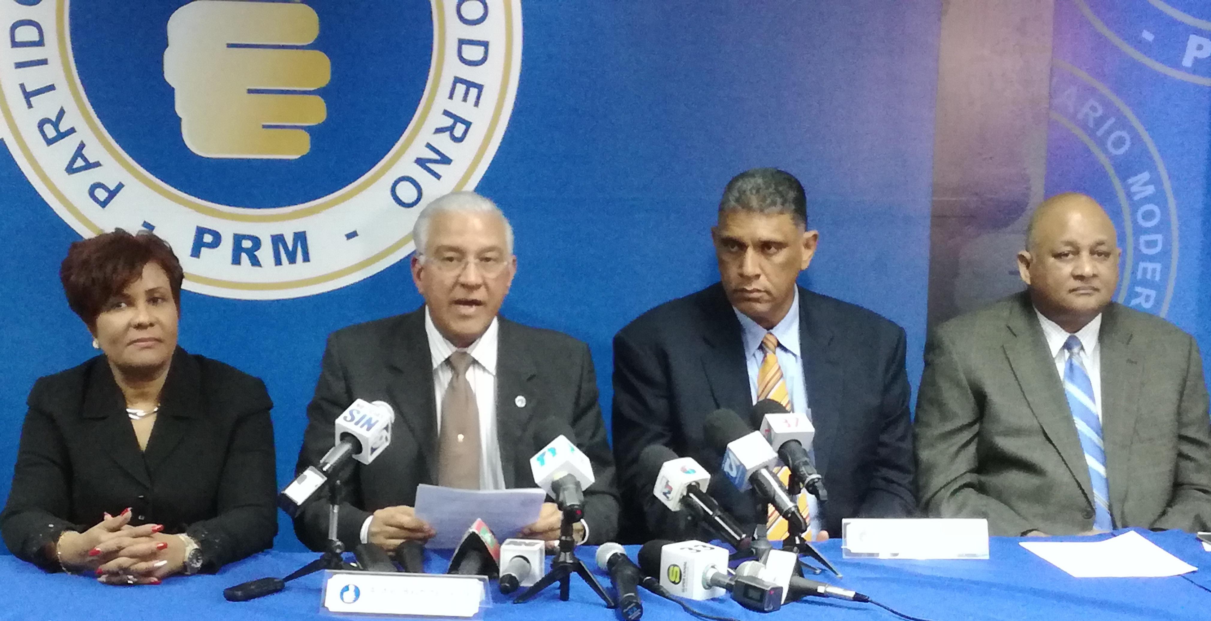 Diputada Josefa Castillo, Andrés Bautista, Jesús Vásquez Martínez y Rafael Fulcar, dirigentes del PRM.