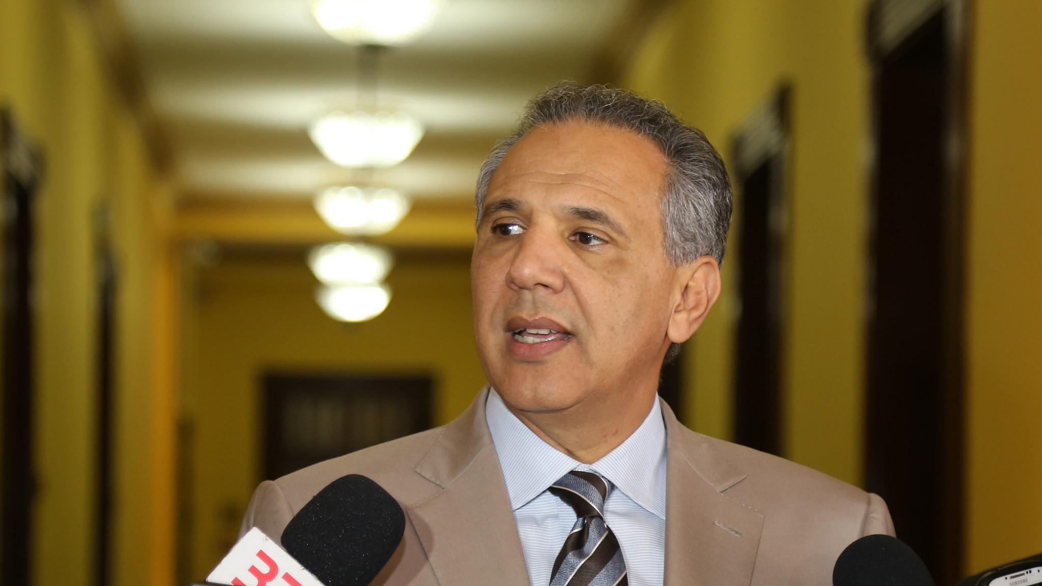 José Ramón Peralta entrevistado en el Palacio Nacional.