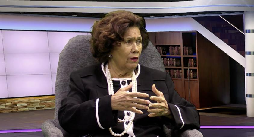 Zoila Martínez, defensora del Pueblo.