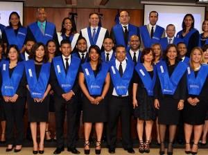 Fisalizadores graduados por la Procuraduría General.