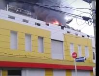 Fuego en almacén Iberia, en San Pedro de Macorís.