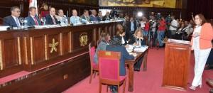Janet Camilo, ministra de la Mujer, expone en vistas públicas sobre proyectos de partidos y de régimen electoral.