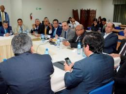Miembros de comisión bicameral que estudian la Ley de Partidos.