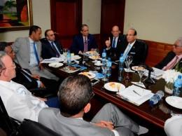 Miembros de la JCE y senadores discutieron la ley de partidos y régimen electoral.