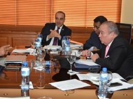 Miembros de la comisión del Senado que estudia proyectos de ley de partidos y de régimen electoral.