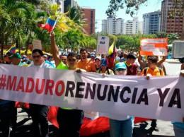 Seguidores de la oposición se movilizan contra el Gobierno de Maduro.
