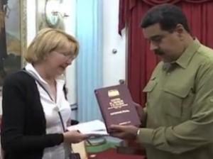 Luisa Ortega y Nicolás Maduro en el Palacio Miraflores.