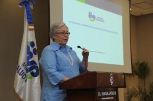 Altagracia Guzmán, ministra de Salud, habla sobre baja en la mortalidad materna.