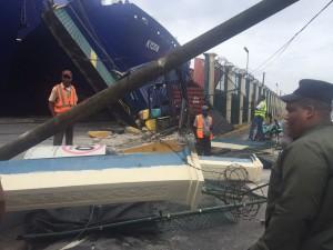 Daños provocados por accidente del ferry.