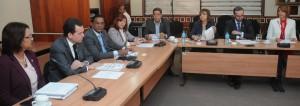 Diputados reunidos con funcionarios del Banco Central.