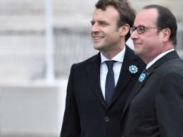 Emmanuel Macron y el presidente Francois Hollande.