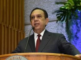 Héctor Valdez Albizu, gobernador del Banco Central.