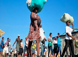 Haitianos cruzaron la frontera para comercio por Dajabón.