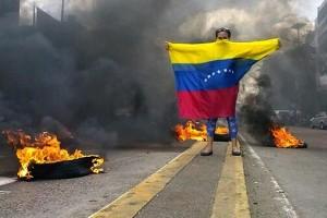 Los opositores siguen en las calles en Venezuela.