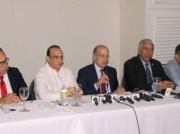 Max Puig fungió de vocero de los partidos de oposición que fijaron posición sobre SCJ y TSE.