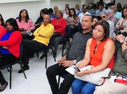 Miembros de Acroarte que asistieron a asamblea celebrada el sábado.