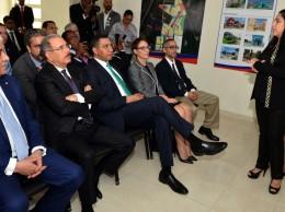 Miguel Vargas, Danilo Medina y el primer ministro de Jamaica, Andrew Holness.