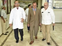 Nelson Rodríguez, director del SNS, encabezó inauguración de centro en Villa Riva.
