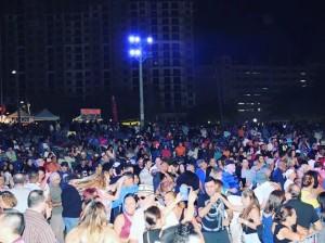 Público asistió a Hollywood Salsa Fest.