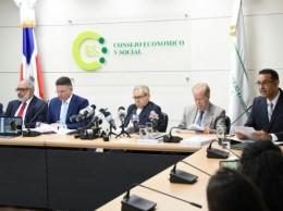 Miembros de comisión que investigó licitación de Punta Catalina.