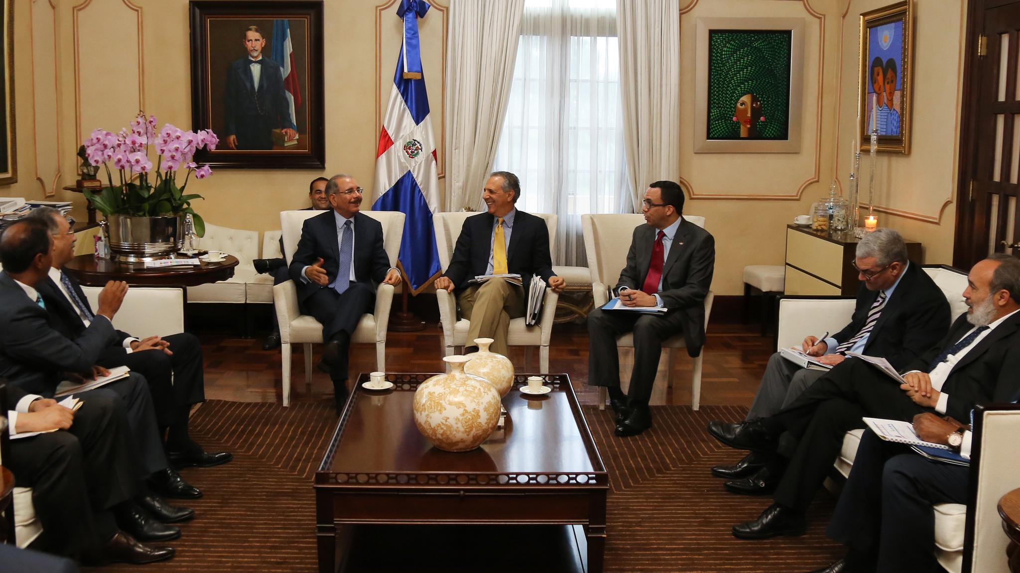 Resultado de imagen para Danilo medina se reune con funcionarios