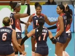 Jugadoras dominicanas celebran el triunfo ante Canadá.
