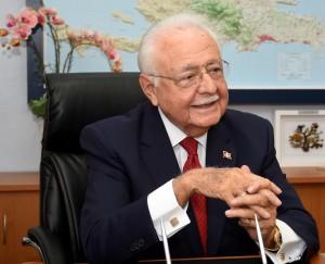 Antonio Isa Conde, ministro de Energía y Mina.