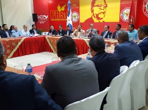 Cúpula del PRSC reunida con comisión bicameral estudia ley de partidos.