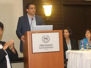 David Collado habla en el lanzamiento del plan territorio del Distrito Nacional.