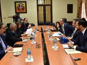 José Ramón Peralta encabeza reunido con empresarios en el Palacio Nacional.