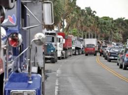 Camioneros que transitaban por la avenida Georges Washington.