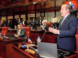 Senador José Ignacio Paliza habla en sesión.