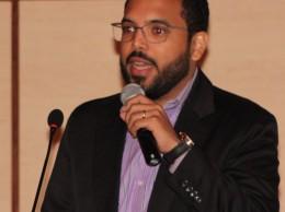 Domingo Abreu Vargas exponiendo su conferencia magistral.