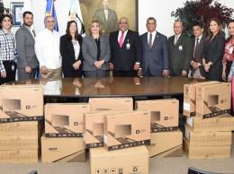 Computadoras entregas por el Indotel a la Oficina Nacional de Estadística.