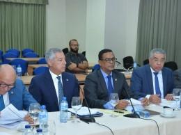 Donald Guerrero y Luis Reyes en reunión con comisión estudia presupuesto.