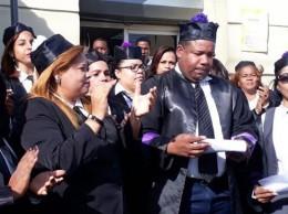 Jueces en protesta en el Palacio de Justicia de la provincia Santo Domingo.
