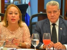 Luisa Fernández y Nelson Toca.