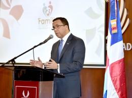 Andrés Navarro habla en congreso del Codue.