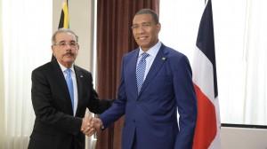 Danilo Medina y Andrew Holness.
