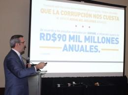 Luis Abinader presenta su plan contra corrupción.