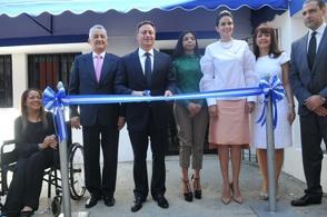 El procurador Jean Alain Rodríguez al inaugurar la Línea Vida.