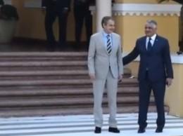 José Luis Zapatero y Miguel Vargas a su llegada a la sede de la Cancillería dominicana.