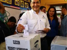 La oposición cuestiona el triunfo de Juan Orlando Hernández.