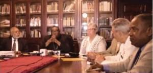 Miembros del CMD y del Gobierno reunidos en Universidad Católica Santo Domingo.
